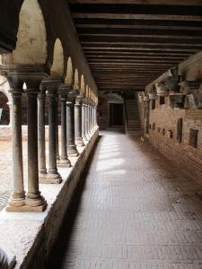 Sant' Apollonia, arcade.