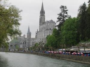 6.Lourdes