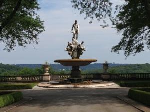 2.Fountain