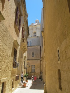 3.Cathedral Alley